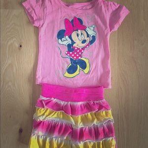 Minnie Mouse T-shirt w/Ruffle tie-dye shorts💕💛